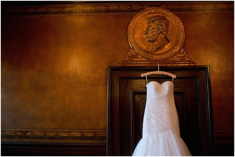 soldiers_sailors_memorial_hall_Pittsburgh_PA_wedding_photographer_003.jpg