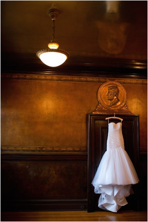 soldiers_sailors_memorial_hall_Pittsburgh_PA_wedding_photographer_004.jpg
