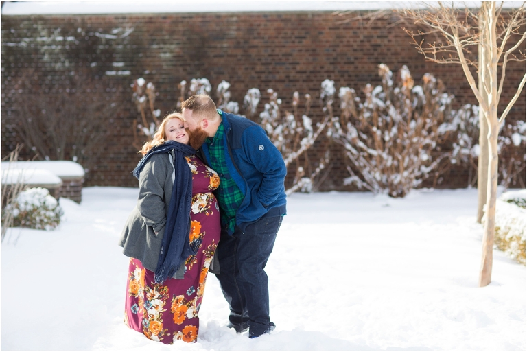Ben_Lauren_Pittsburgh_Wedding_Photographer_Mellon_Park_Engagement_Photos_05.jpg